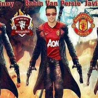 Rooney robin van persie and hernandez in action film.jpg